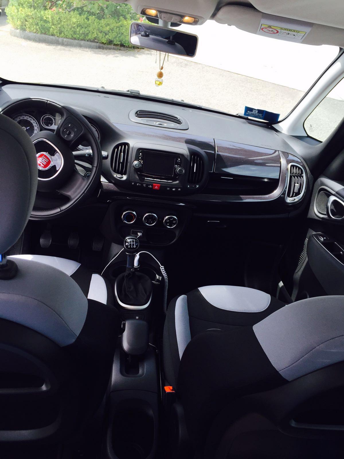 Noleggio Auto Fiat 500 L